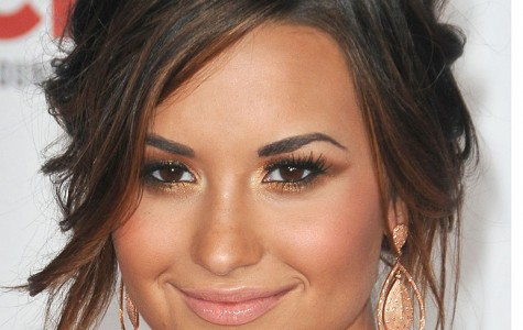 """What's Wrong With Being Confident?"": Demi Lovato Rocks New Album"