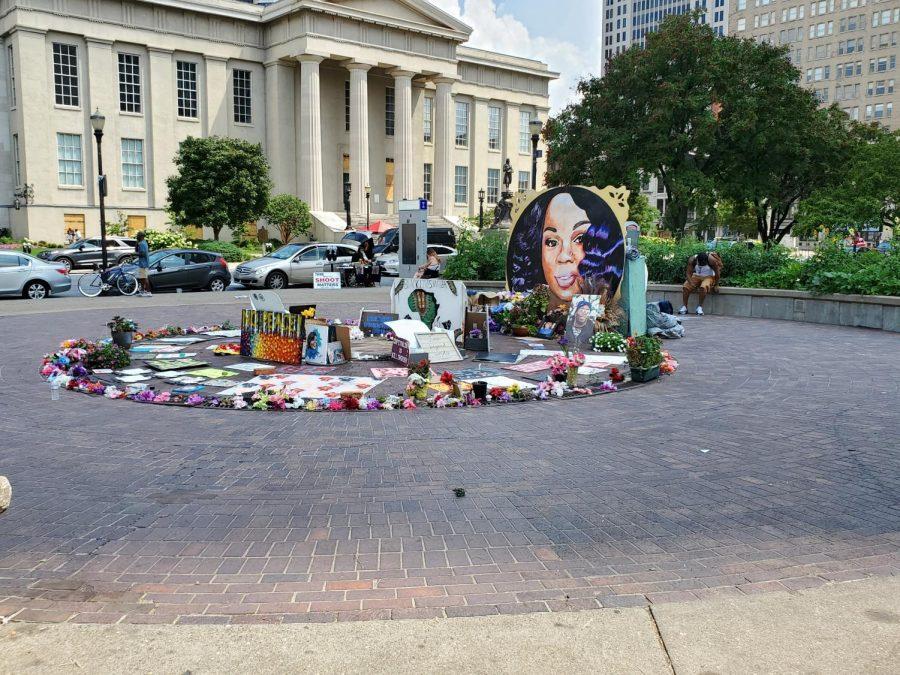Breonna_Taylor_Memorial_Louisville_Kentucky (Photo Credit: FloNight)